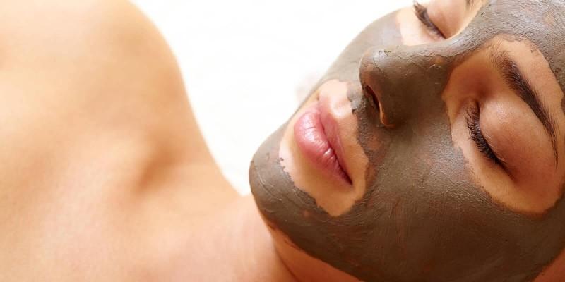 4 receitas caseiras de máscaras faciais para cuidar da pele